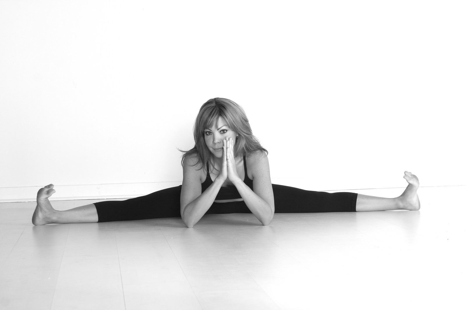 lisa turley yoga teacher sachi salon
